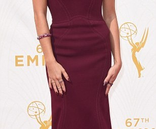 Sarah Hyland at 2015 Emmy Awards